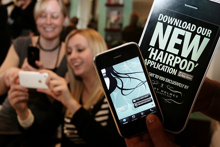 Top Hairdresser Stuart Holmes Launches Unique iPhone App